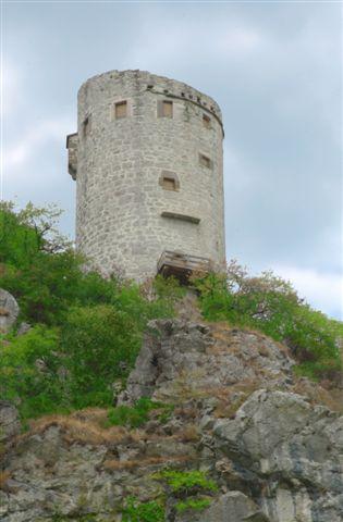 podpec-stolp